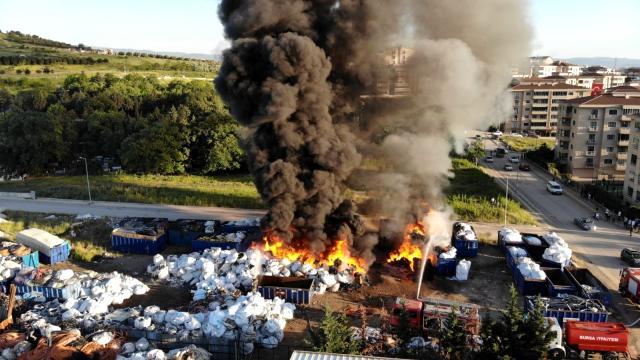 Bursa'da Büyük Yangın Korku Yarattı